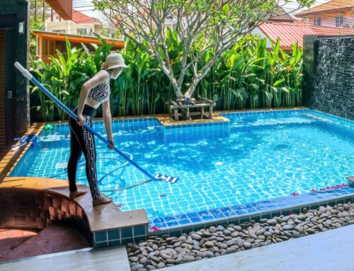 How to Brush a Swimming Pool – The Complete Guide