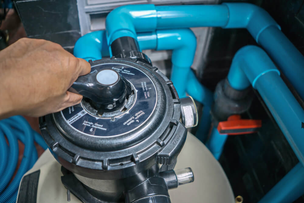 Clear the Sand Filter of the Pool. Service and Maintenance of the Pool